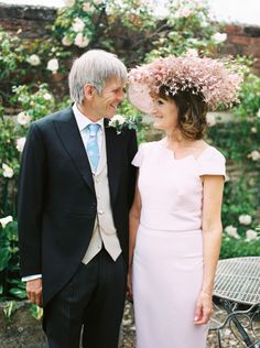The guest style: http://www.stylemepretty.com/2016/07/20/pippa-middleton-james-matthews-wedding-engagement/