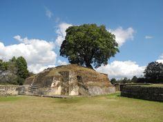 Ruinas Mayas de Iximché en Tecpán, Guatemala