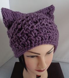 #purplepussycathat #pussycathat #crochetpussycathat #knittedpussycathat #etsyseller #etsystore #etsycanada #etsymontreal #etsyquebec #etsyfinds #smallbusinessowner #pussycatproject #giftforher #pussycattoque