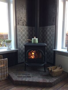 Portugese tegels Collectie FLOORZ Portugese cementtegels Portugese vloertegels Cementtegels Cementtiles Wood Stove Surround, Wood Stove Hearth, Wood Burner, Corner Fireplace Mantels, Cabin Fireplace, Wood Burning Stove Corner, Small Sunroom, Small Tiny House, Inspired Homes
