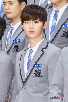 Minhyun | His eyes are beautiful. I prefer his looks at Produce 101 because he didn't wear too much make up like he was in Nu'est. Fighting! I also like Jonghyun (aka JR Nu'est). He is kind of guy who has a big role (since he's a leader) but very very humble, calm, quiet, and didn't show off. Uggh i can't stand this kind of guy rlly. Team Justice League fightung!
