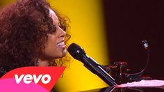 Alicia Keys -Certified  Trouble Man (Piano & I: AOL Sessions +1)