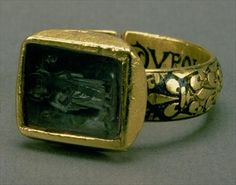 Signet ring of King Louis IX of France (St. Louis Gold and enamel. Vintage Gold Rings, Gold And Silver Rings, Antique Rings, Antique Gold, Antique Jewelry, Vintage Jewelry, Renaissance Jewelry, Medieval Jewelry, Ancient Jewelry