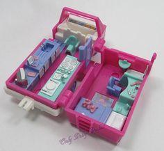 1994 - Vintage Polly Pocket Home on the Go (RV) Bluebird Toys (35585)