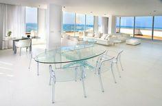 meubles en verre, table ronde en verre, plateau de table en verre, salon blanc