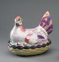 staffordshire ware england hen on nest with chicks - lusterware Fresh Chicken, Chicken Eggs, Hens On Nest, English Pottery, Rooster Decor, Chickens And Roosters, Coq, Glass Ceramic, Carnival Glass