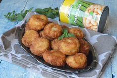 Chiftelute de fasole - CAIETUL CU RETETE Ethnic Recipes, Food, Cooking Recipes, Red Peppers, Essen, Meals, Yemek, Eten