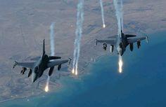 F - 16 Fighting Falcon