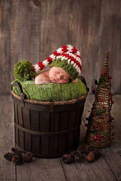 Nueva (sin etiquetas) nunca usado hecho a mano  Bebé recién nacido niña o niño sombrero  Hecho con hilos gruesos.  FOTO IMPRESIONANTE APOYO!!!!       Por favor vea mi anuncio de tienda, para tiempo  sugerencia - colada de la mano en posición plana secar