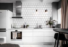 Muuto, vitt kök, modernt kök, marmor, tegelsättning, vitt kakel, köksrenovering