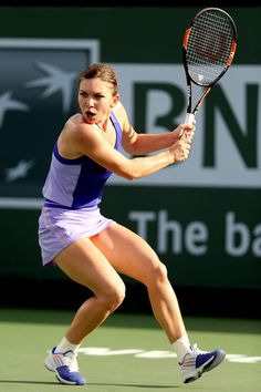 Simona Halep Photos - Simona Halep of Romania plays Karolina Pliskova of Czech Republic during day nine of the BNP Paribas Open at the Indian Wells Tennis Garden on March 2015 in Indian Wells, California. Female Pose Reference, Pose Reference Photo, Body Reference, Art Reference Poses, Figure Drawing Models, Figure Drawing Reference, Sport Treiben, Fighting Poses, Anatomy Poses