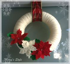 Un'idea semplice e di facile realizzazione è la ghirlanda natalizia fuoriporta che ho creato in poco tempo e con materiali semplici e facilmente reperibili.