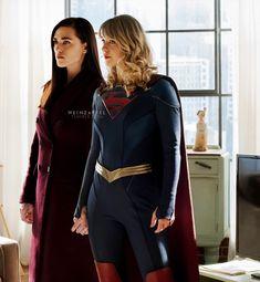 Supergirl Season, Supergirl 2015, Supergirl And Flash, Watch Riverdale, Riverdale Funny, Cute Lesbian Couples, Tv Couples, Yuri, Molduras Vintage