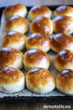 Yoghurtboller   Det søte liv Hamburger, Bread, Dessert, Food, Brot, Deserts, Essen, Postres, Baking