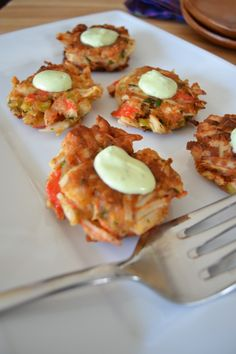Gluten Free Crab Cakes (mayo free - just has mustard! Wheat Belly Recipes, Wheat Free Recipes, Gf Recipes, Dairy Free Recipes, Seafood Recipes, Low Carb Recipes, Cooking Recipes, Healthy Recipes, Gluten Free Crab Cakes