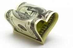 ¿Te has planteado alguna vez qué relación tienes con el dinero? El dinero está ahí y se mueve cada día de manos. Deja de estar peleado con el dinero. Cambia tu relación con el dinero para poder obtenerlo.