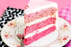 Krissy's Creations: Celebrating my 1 Year Blogiversary with Strawberry Ombre Cake