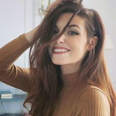Marzia Bisgonin | messy hair | turtleneck