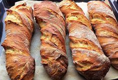 ZabosBabos: Gyökérkenyér Croissant Bread, Ciabatta, Winter Food, International Recipes, Banana Bread, Hamburger, Bakery, Food And Drink, Bakery Recipes
