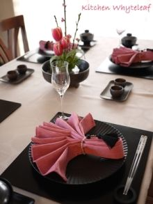 Kitchen Whyteleaf ~からだに優しいお料理を~ Japanese Table, Japanese Party, Japanese Dinner, Japanese Food, Deco Table, A Table, Table Napkin, Asian Party Decorations, Table Decorations