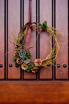 Make a Natural and Wild Holiday Wreath Give an indoor spot a subtle seasonal splash with flexible willow tips and rustic embellishments. Houzz Contributor by Rikki Snyder