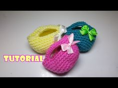 Tutorial Idea BOMBONIERE borsetta PORTACONFETTI all'uncinetto- crochet mini bag - YouTube Barbie, Little Bag, Mini Bag, Knit Crochet, Baby Shoes, Shabby Chic, Pouch, Sewing, Knitting