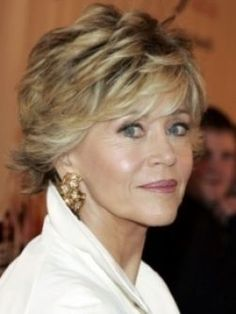 short layered bob hairstyles for older women 1