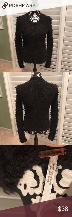 Free People Soft Distressed Knitted Sweater Pre loved and well taken care of Free People Knitted Sweater only worn a couple of time no rips stains rips or tears super soft and comfortable .Smoke and pet free home Free People Tops Sweatshirts & Hoodies