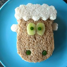 If you are planning a farmyard themed party or maybe a farm animals party then these ten foods shaped like sheep will go down rather nicely. Barnyard Party Food, Farm Party Foods, Farm Animal Party, Good Food Image, Three Little Pigs, Farm Theme, Farm Yard, Birthday Fun, Food Design