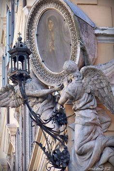 Next time you're strolling along one of Rome's twisting cobblestone streets, look up. You might be surprised to see who is watching over you. Madonna, Statues, Regions Of Italy, Vatican City, Culture Travel, Architectural Elements, Public Art, Architecture Details, Italy Travel