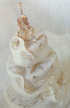 Music wedding cake metallic icing