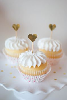 Valentine's Day Champagne Cupcake with Champagne Frosting Recipe