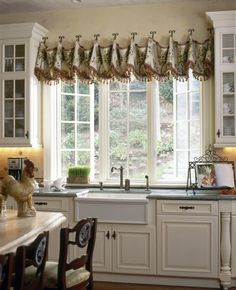 Beautiful Kitchen Window Treatment