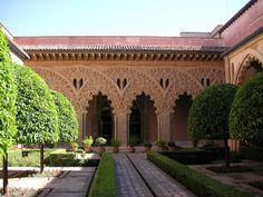 Patio del Palacio de la Aljaferia, Zaragoza, España. patrimonio de la humanidad por la Únesco el 2001