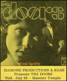https://www.facebook.com/LabandaRockpop  El 26 de julio 1967 (miércoles) la banda americana de Blues Rock, Rock Psicodelico, Rock Acido. THE DOORS se presentan en el  Templo Masónico Portland, Portland, Oregón.  The Doors se presentan en el templo masónico de Portland en Portland, Oregón. En el verano de 1967.  Programacion del show: 08:30 pm.