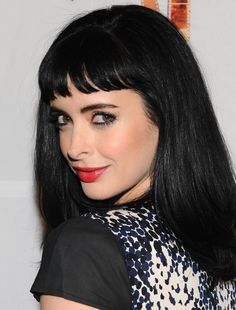 "Krysten Ritter from ""Don't trust the Bitch in apt New show on After Modern Family. She is unusual over the top LMAO! Krysten Ritter, Danielle Panabaker, Short Bangs, Golden Hair, Jessica Jones, Dark Hair, Hair Goals, Hair Inspiration, My Hair"