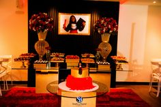 Formatura Formatura Direito - Thais - vermelha no Balada Hall -