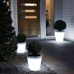 Bring your garden up to speed with the modern world with these super bright light up planters. Each one of these planters has fifteen LEDs inside that combine for a powerful glowing light that easily make your garden area look sleek and modern.