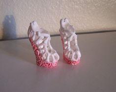"MH ooak hand-painted shoes ""Braaains"""