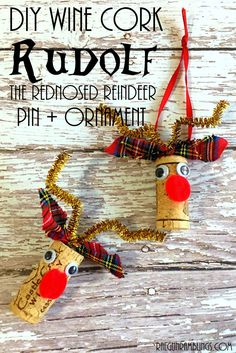 10 minute upcycled wine cork reindeer pins and Christmas ornaments. Wine Cork Ornaments, Wine Cork Crafts, Diy Ornaments, Bottle Crafts, Farming, Christmas Crafts, Christmas Ornaments, Reindeer Christmas, Christmas Ideas