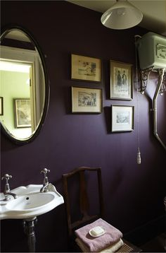 Dark purple bathroom with Brinjal by Farrow & Ball Dark Purple Bathroom, Dark Purple Bedrooms, Dark Purple Walls, Purple Mirror, Purple Bathrooms, Purple Rooms, Bathroom Colors, Plum Purple, Mirror Bathroom