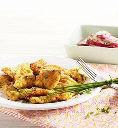 Pikanter Käse-Schmarren mit Radieschen-Salat #hochland #käse #rezept #recipe #käseschmarren #radieschen #salat  #sandwichscheiben #emmentaler