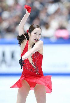 16年世界ジュニア女王の本田真凜(18=JAL)が、65・92点で6位発進した。冒頭のループとトーループの連続3回転ジャンプは、トーループで回転不足の判定を取… - 日刊スポーツ新聞社のニュースサイト、ニッカンスポーツ・コム(nikkansports.com)