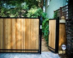 8 Outstanding Clever Tips: Front Yard Fence For Privacy Modern Fence Material.Front Yard Fence Height Los Angeles Garden Fence And Gate. Modern Wood Fence, Wood Fence Design, Gate Design, Wood Fences, Gabion Fence, Gabion Wall, Fence Planters, Rustic Fence, Pallet Fence