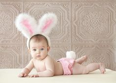 Trendy Ideas For Baby Photography Ideas Girl 6 Months Portraits Holiday Photography, Baby Girl Photography, Children Photography, Photography Ideas, Newborn Pictures, Baby Pictures, Easter Pictures For Babies, Baby Kalender, Somebunny Loves You