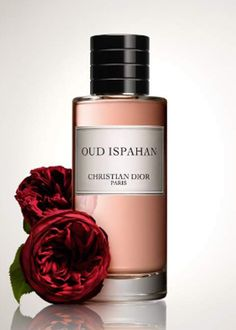Oud Ispahan Christian Dior perfume - Top note is labdanum; middle note is patchouli; base notes are sandalwood, rose and agarwood (oud).
