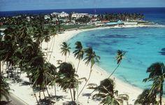 BOG01 - SAN ANDRS ISLA (COLOMBIA).- FotografÌa del 24 de abril de 2001 en la que se observa una playa en San AndrÈs Isla (Colombia). La Corte Internacional de Justicia (CIJ) denegÛ hoy, miÈrcoles 4 de mayo de 2011, los intentos de Honduras y Costa Rica para intervenir en el contencioso por la frontera marÌtima que Nicaragua mantiene con Colombia ante este tribunal por la reclamaciÛn nicarag¸ense de unos 50.000 kilÛmetros cuadrados en el mar Caribe, ·rea que incluye el archipiÈlago…