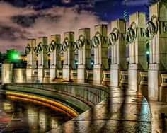 world war ii memorial | Aournd the two pavilions of the World War II Memorial in Washington D ...