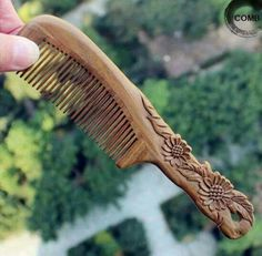 Woodworking Crazy added a new photo. Wood Carving Patterns, Wood Carving Art, Carving Tools, Wood Art, Chip Carving, Bone Carving, Wood Comb, Got Wood, Wood Spoon