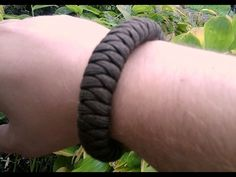 easy to make Quick Release Paracord Bracelet